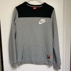 Nike men's grey crewneck sweatshirt with pocket